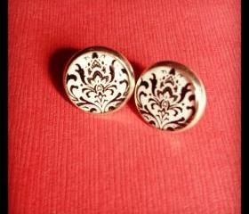 Black Damask Pattern Resin Post Silver Earrings